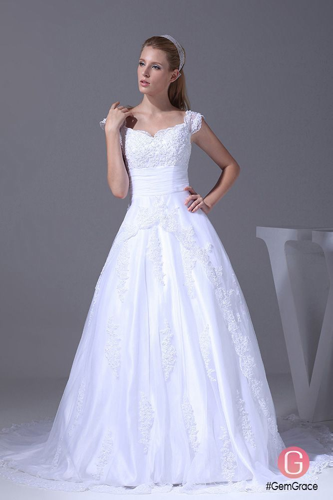 Choosing a wedding color theme what you must consider white choosing a wedding color theme what you must consider white wedding dresses lace wedding dresses and lace weddings junglespirit Images
