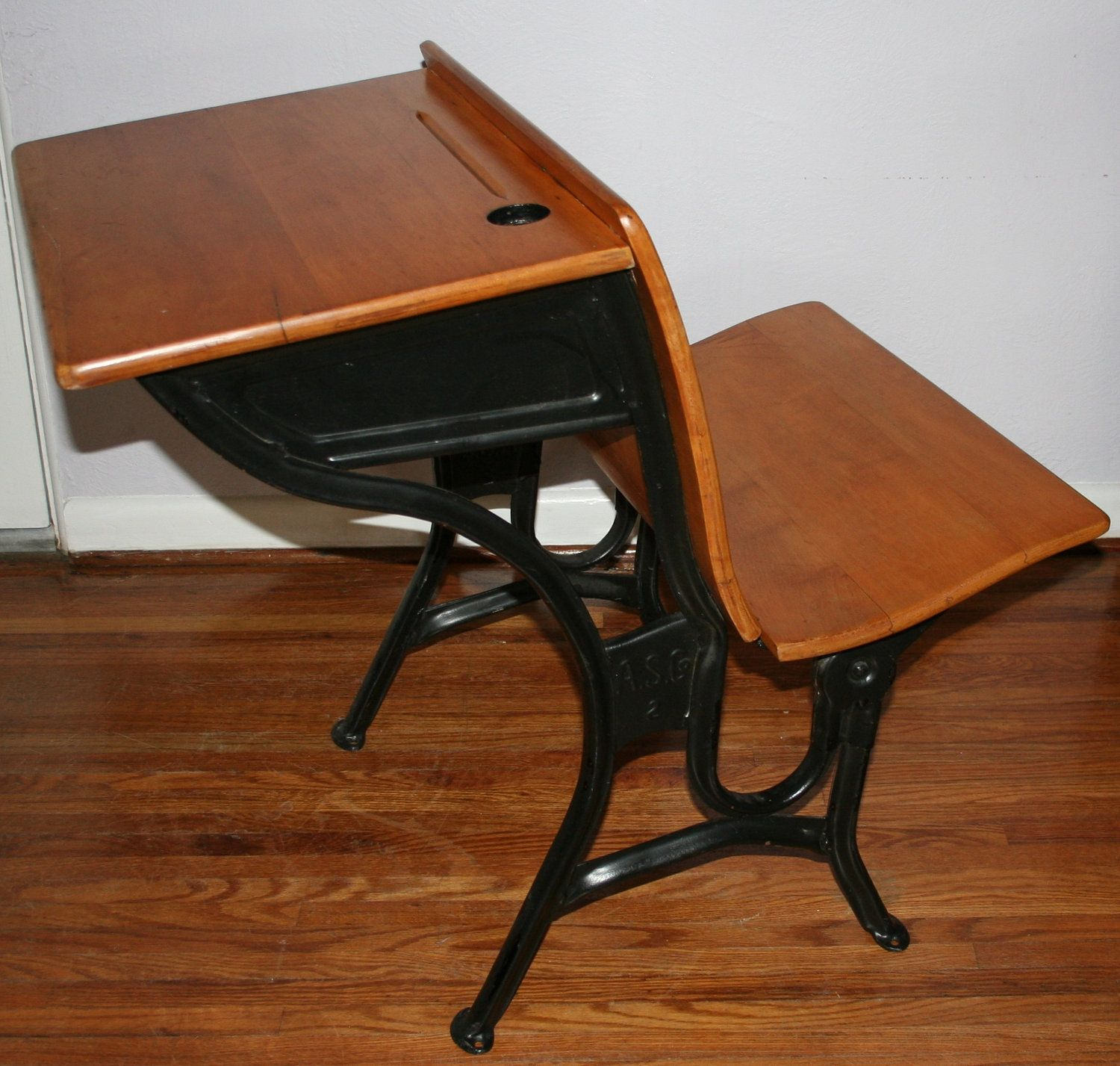 Vintage Antique Children S 1920s Wood Iron Old Fashion School Desk Marked A S Co 2 With Ink Well 140 Vintage School Desk Antique School Desk School Desks