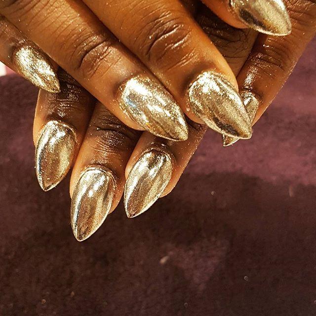 Gold Nails Dark Skin Cute
