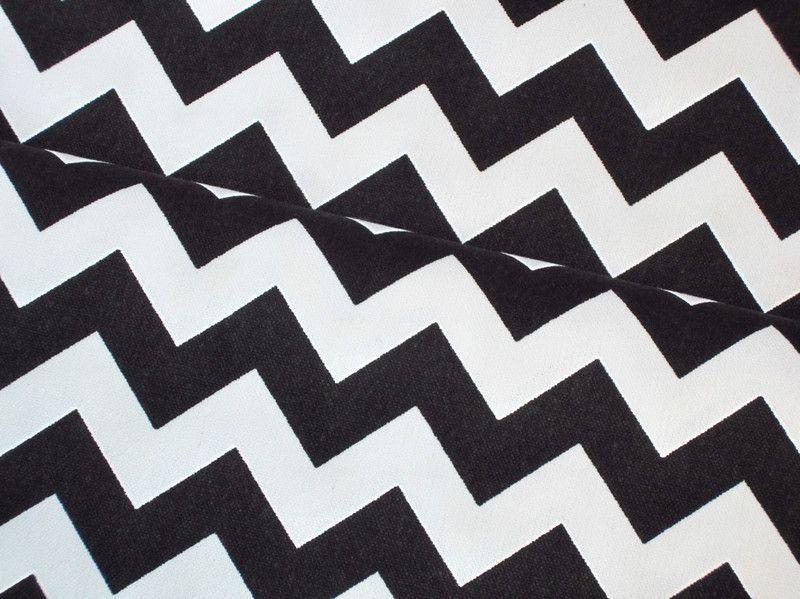 stoff grafische muster baumwoll canvas chevron zickzack schwarz wei ein designerst ck von. Black Bedroom Furniture Sets. Home Design Ideas