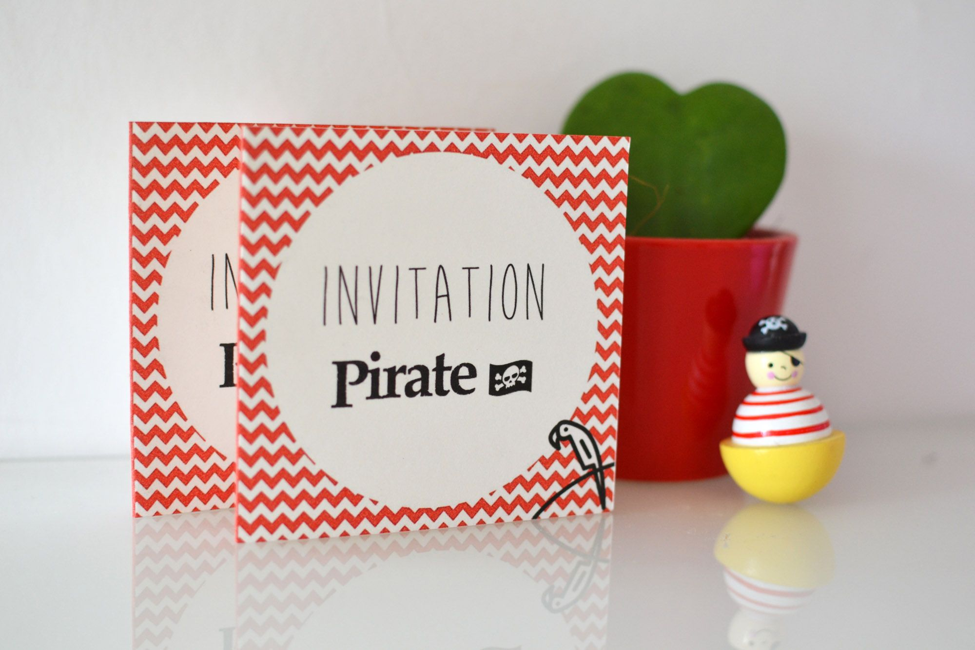 Invitation Pirate A Chevrons Mon Anniversaire Pirate Carte Anniversaire Carte Anniversaire Fille Anniversaire Pirate