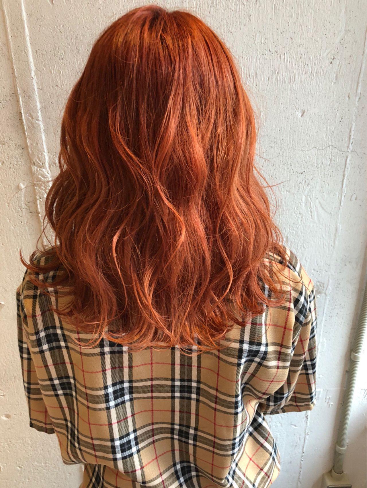 平成最後だから派手色に染めて カラフルカラーにイメチェン計画 レディース パーマヘア 髪色 オレンジ ナチュラルヘアスタイル