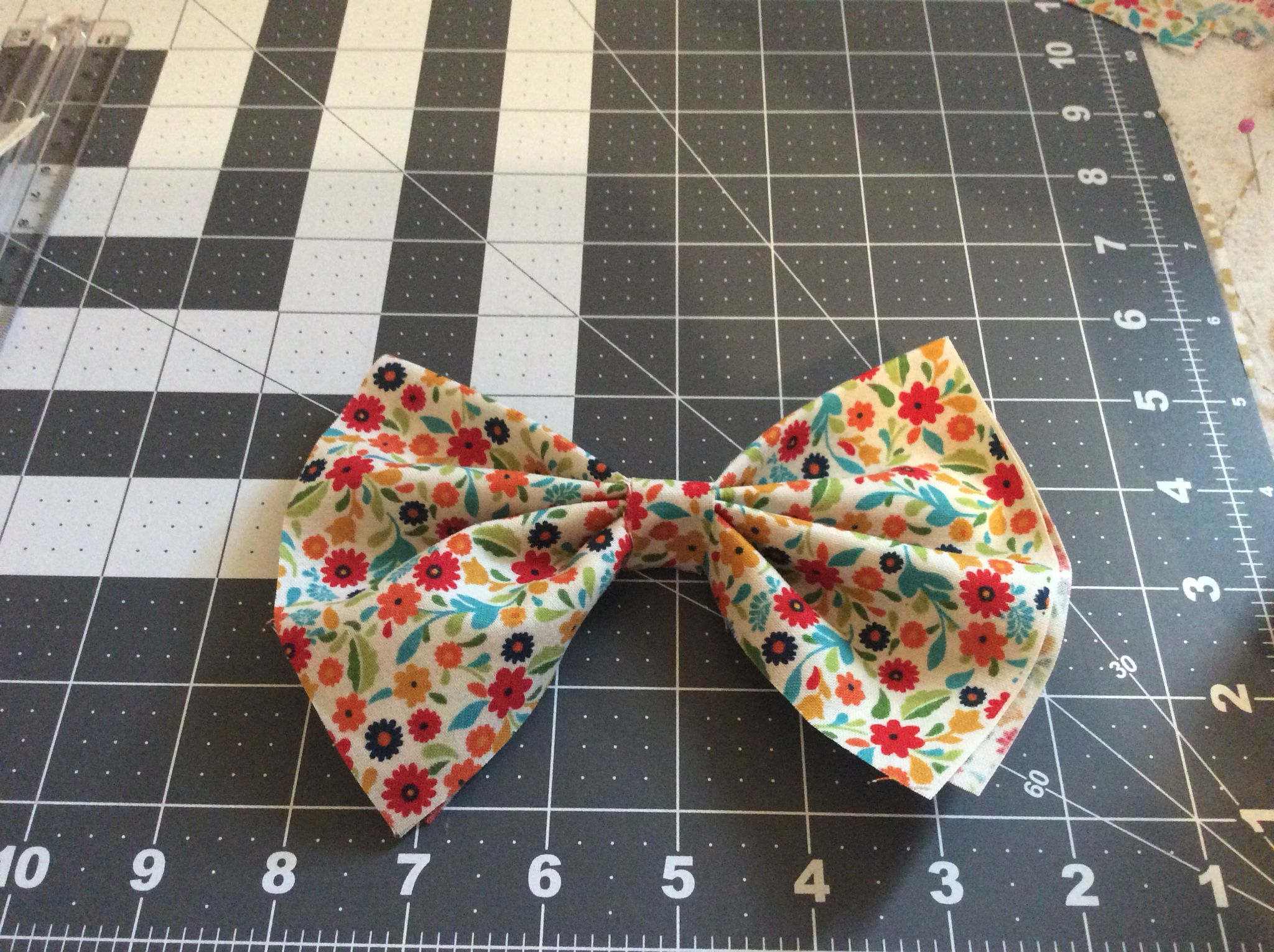 Cute matching hair bow to match with skirt.