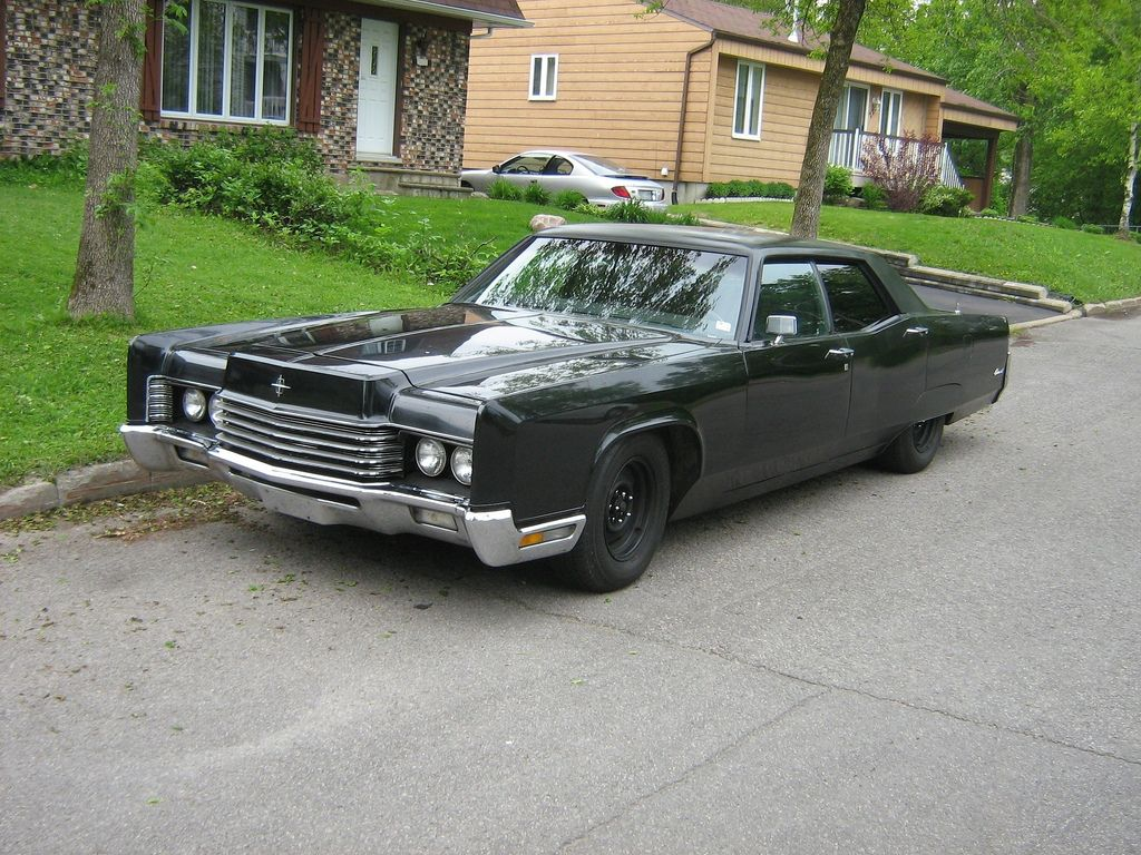 old lincoln cars | Description Gangster-styled car, 1970 Lincoln ...