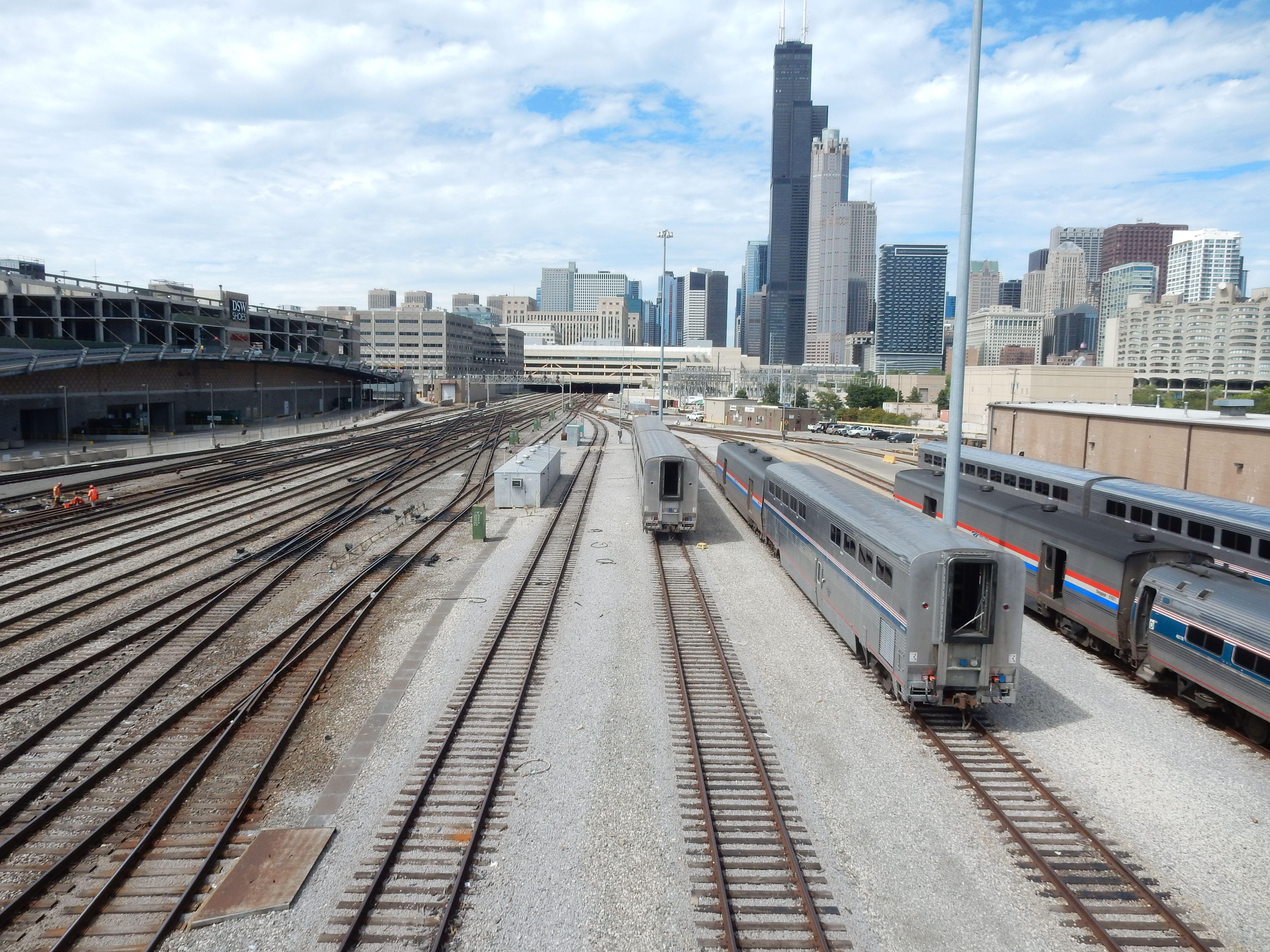 Amtrak Train Yard At Chicago Amtrak Train Amtrak Railroad Tracks