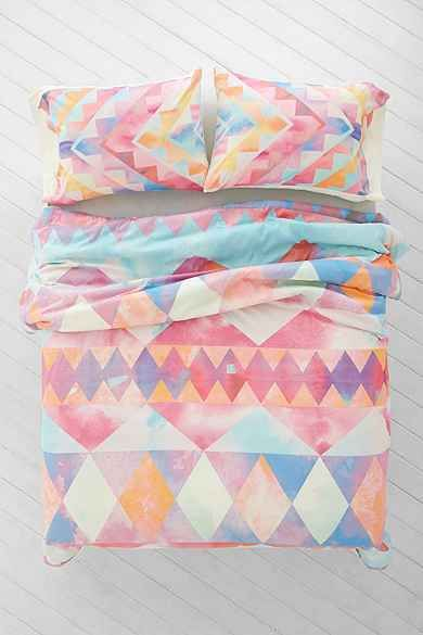 Pretty pastels http://rstyle.me/n/vp6xen2bn