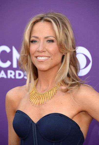 Sheryl Crow Gold Statement Necklace Sheryl Crow Hair Easy Updos For Long Hair Sheryl Crow