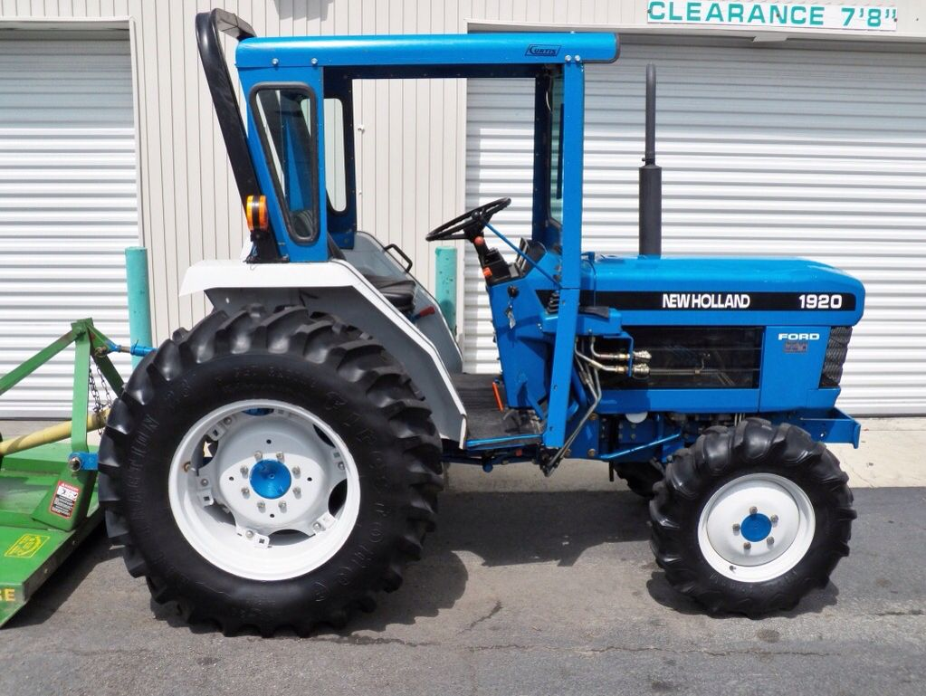 Just A Cute Little Ford New Holland Tractor Tractors New