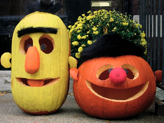 Bert & Ernie Jack-O-Lanterns #halloween (@Paula Schweikhard you could do character kits for halloween - unlicensed ones of course)