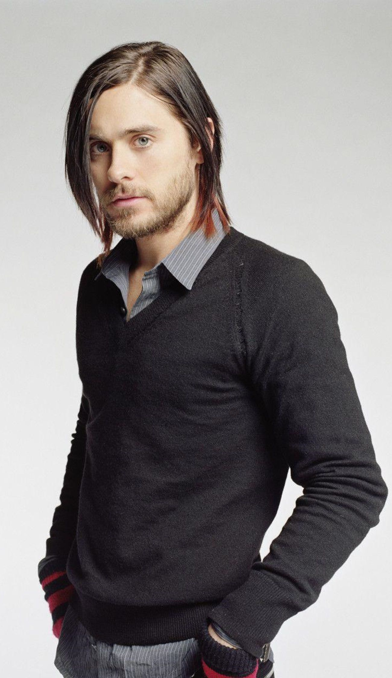 Dress shirt thin sweater combo jared leto artists for Sweater and dress shirt combo