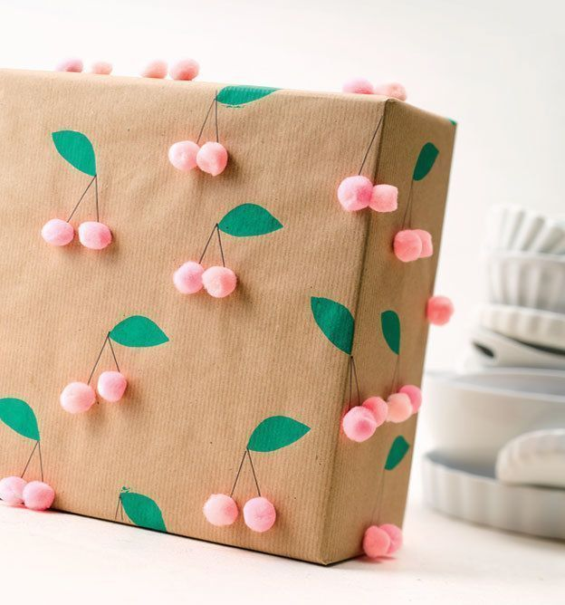 Try this Simple Floral Gift Wrapping  Clever Poppy Give greet and pack with kraft paper kreativkompakt  DIY Ideen und DIY Projekte