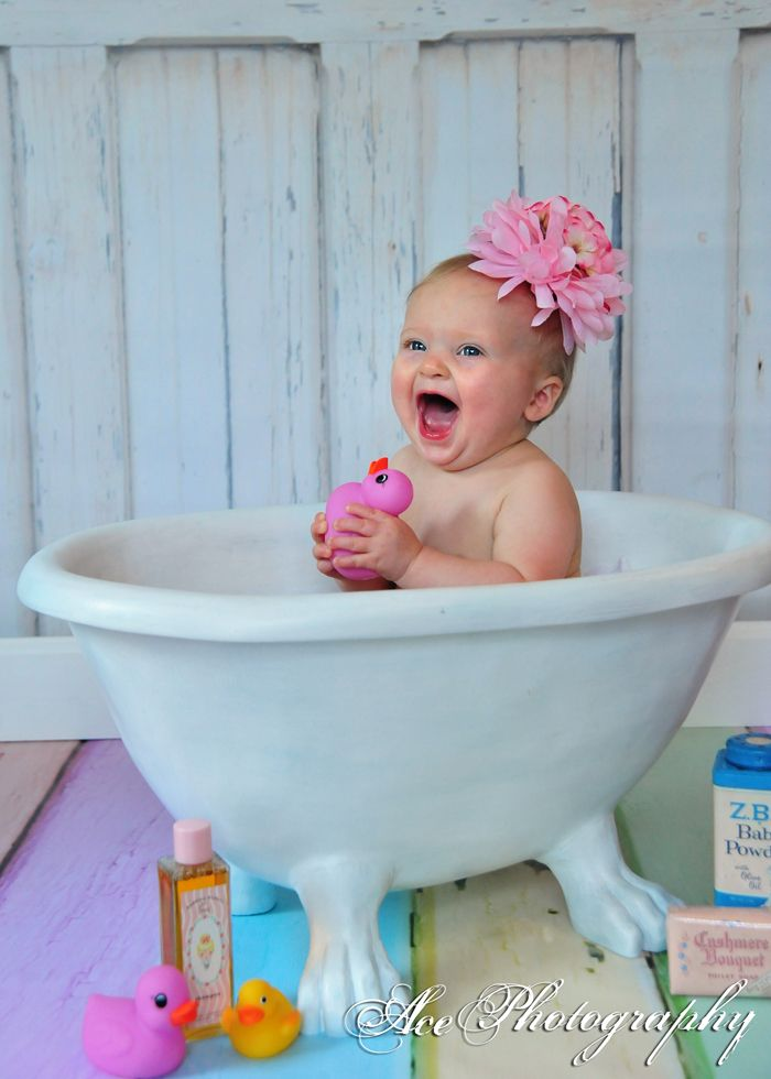 baby bath photography | ... amazing infectious smile. She is just ...