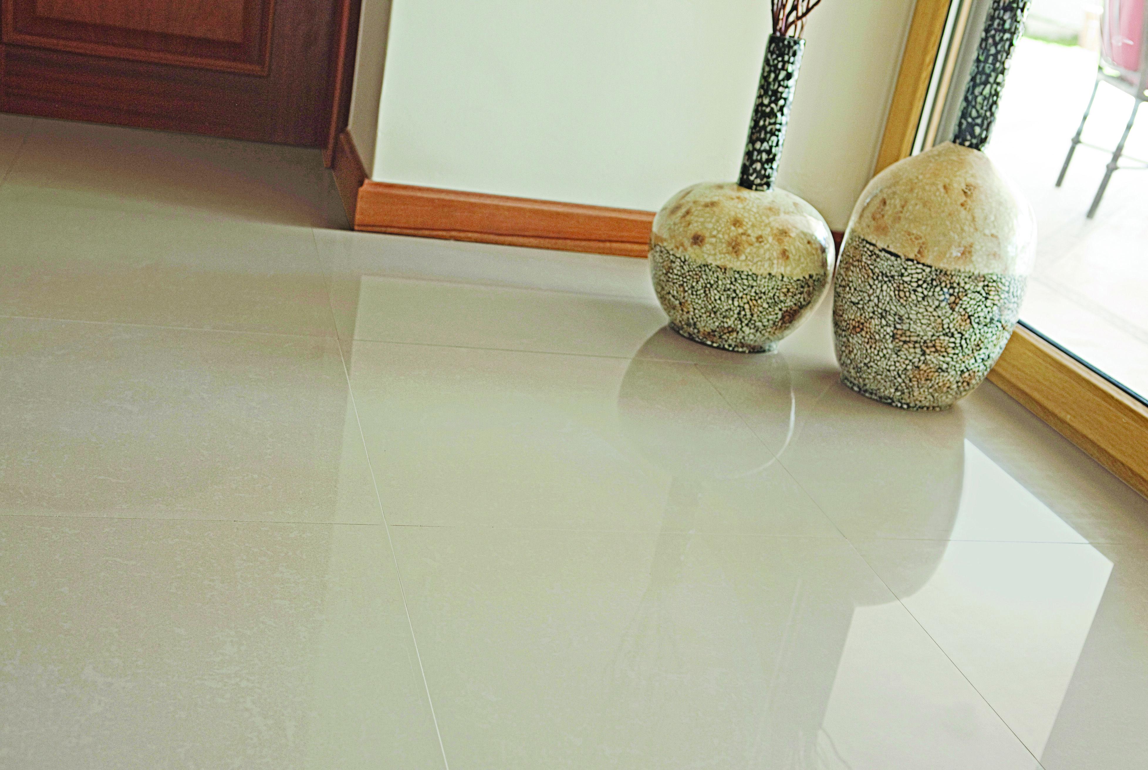 Piso porcelanato lisboa elegancia a tus pies pisos - Madera tratada para exteriores home depot ...