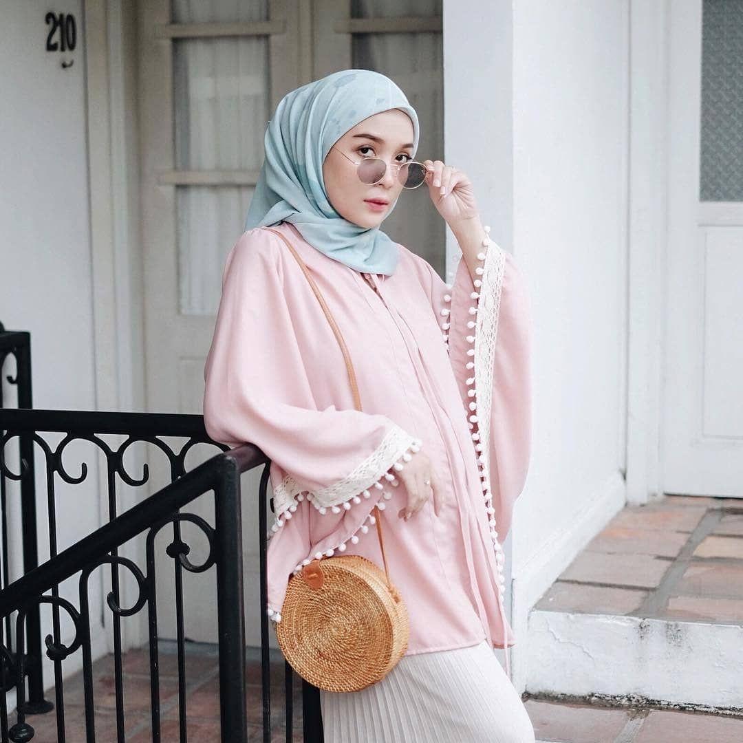 Pin Oleh Piscesgvrl Di H I J A B I N S P I R A T I O N Gaya Hijab Warna Pastel Wanita