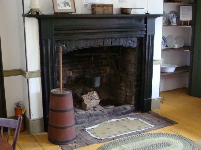Keep Your Fireplace Damper Closed Unless A Fire Is Burning An