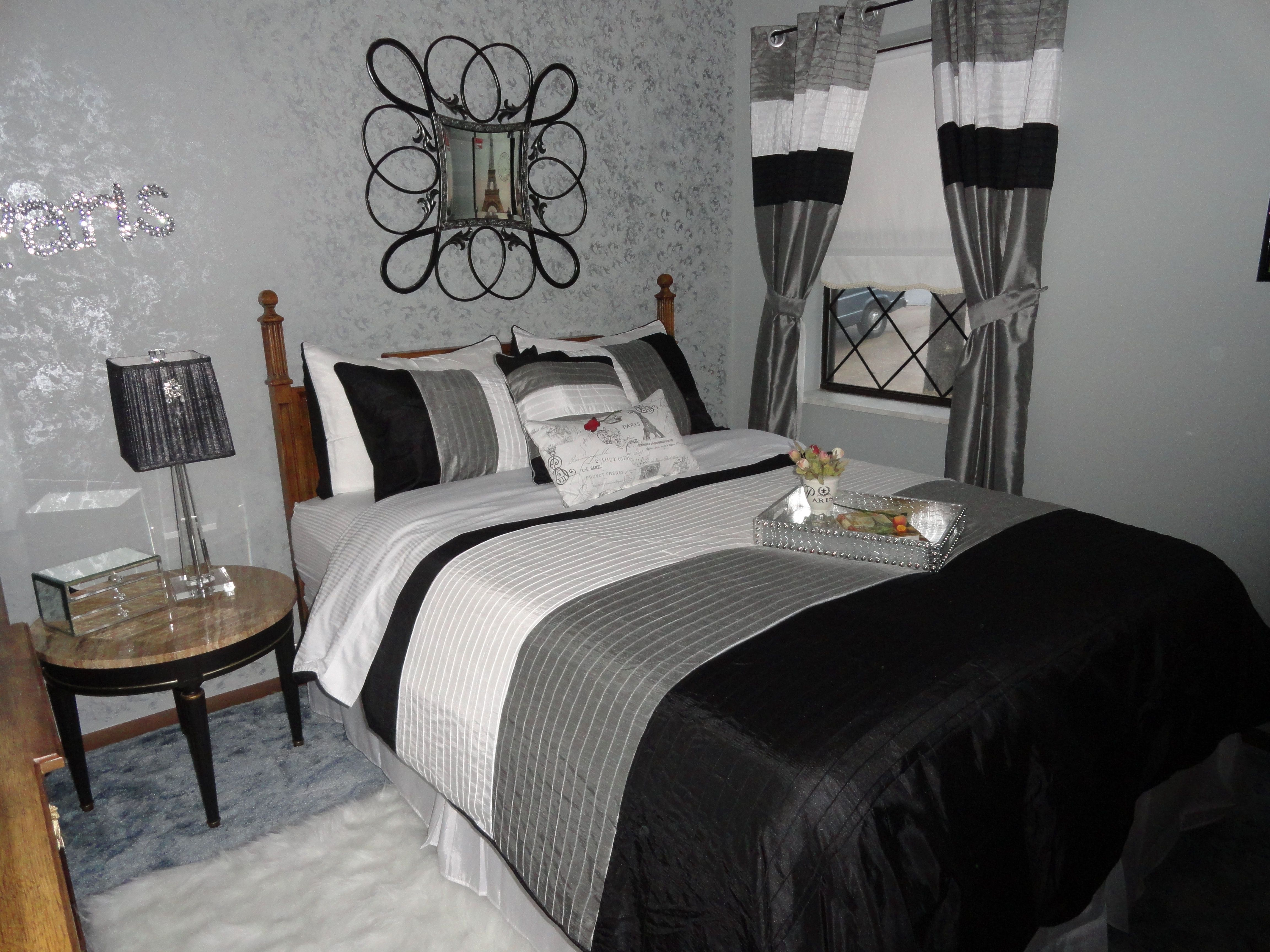 I painted the walls a blue gray couldn 39 t change the for Spare bedroom paint color ideas