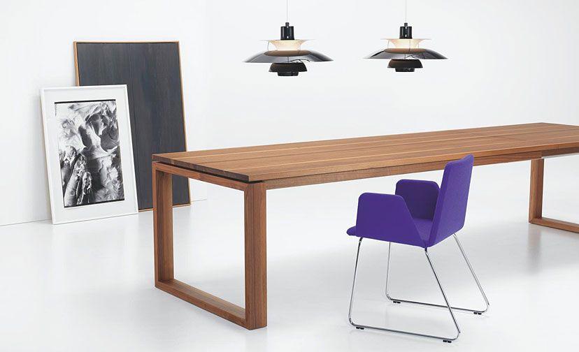Dieser ausziehbare Esstisch aus Nussbaum ist einfach ein - der ausziehbare esstisch