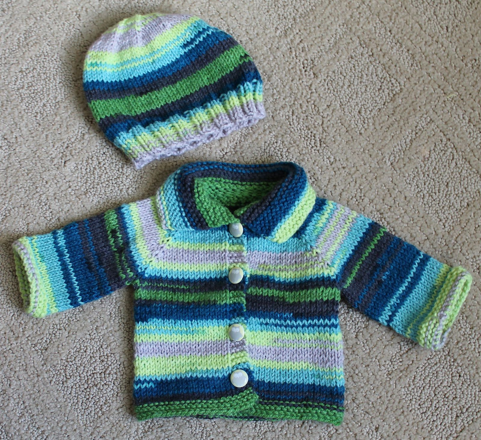 Rindy\'s Raglan Baby Sweater By Rindy Carpenter - Free Knitted ...