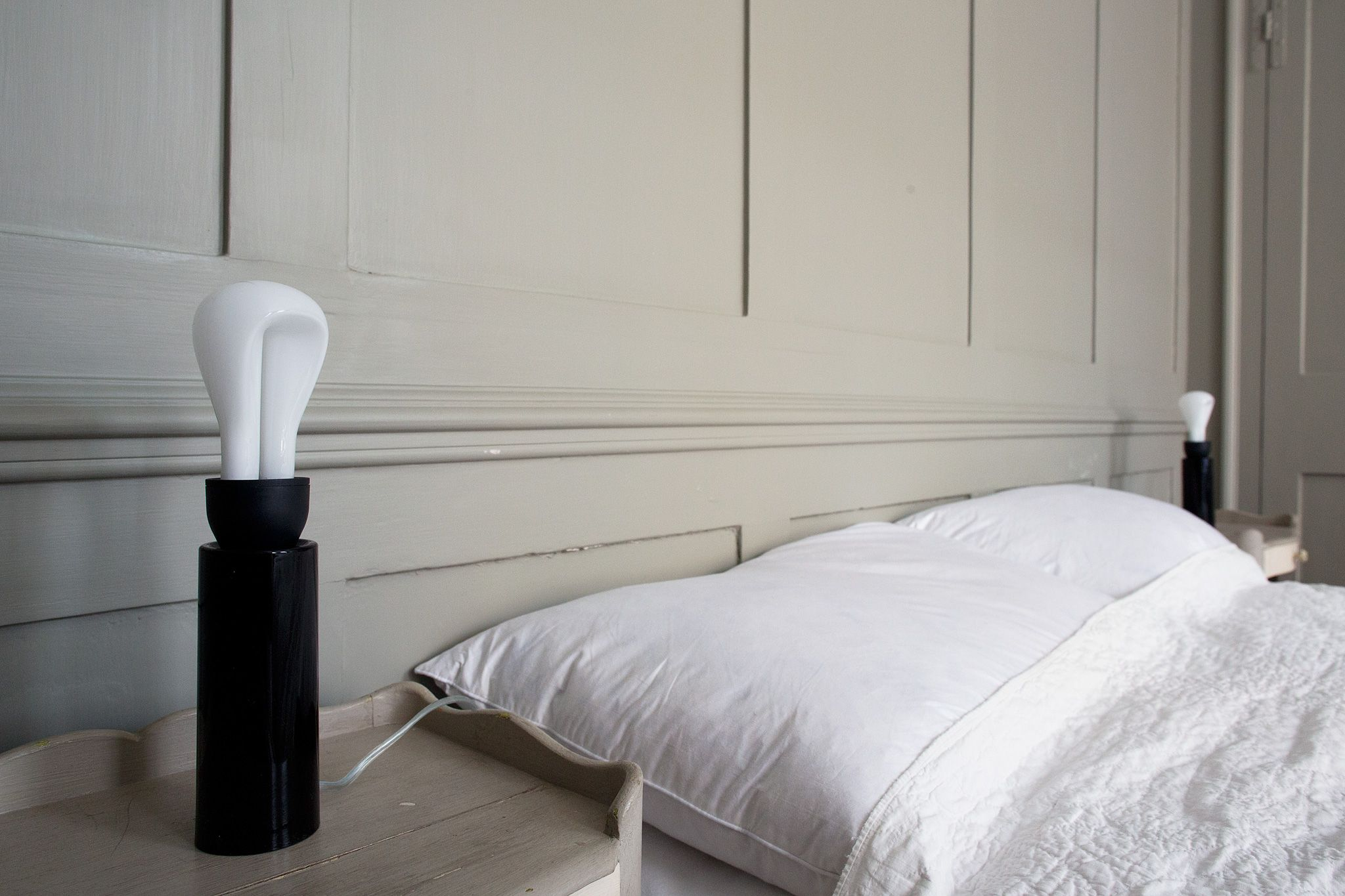 intimate bedroom lighting. Plumen 002\u0027s Low Brightness Is Perfect To Create An Intimate And Cozy Atmosphere In A Bedroom Lighting