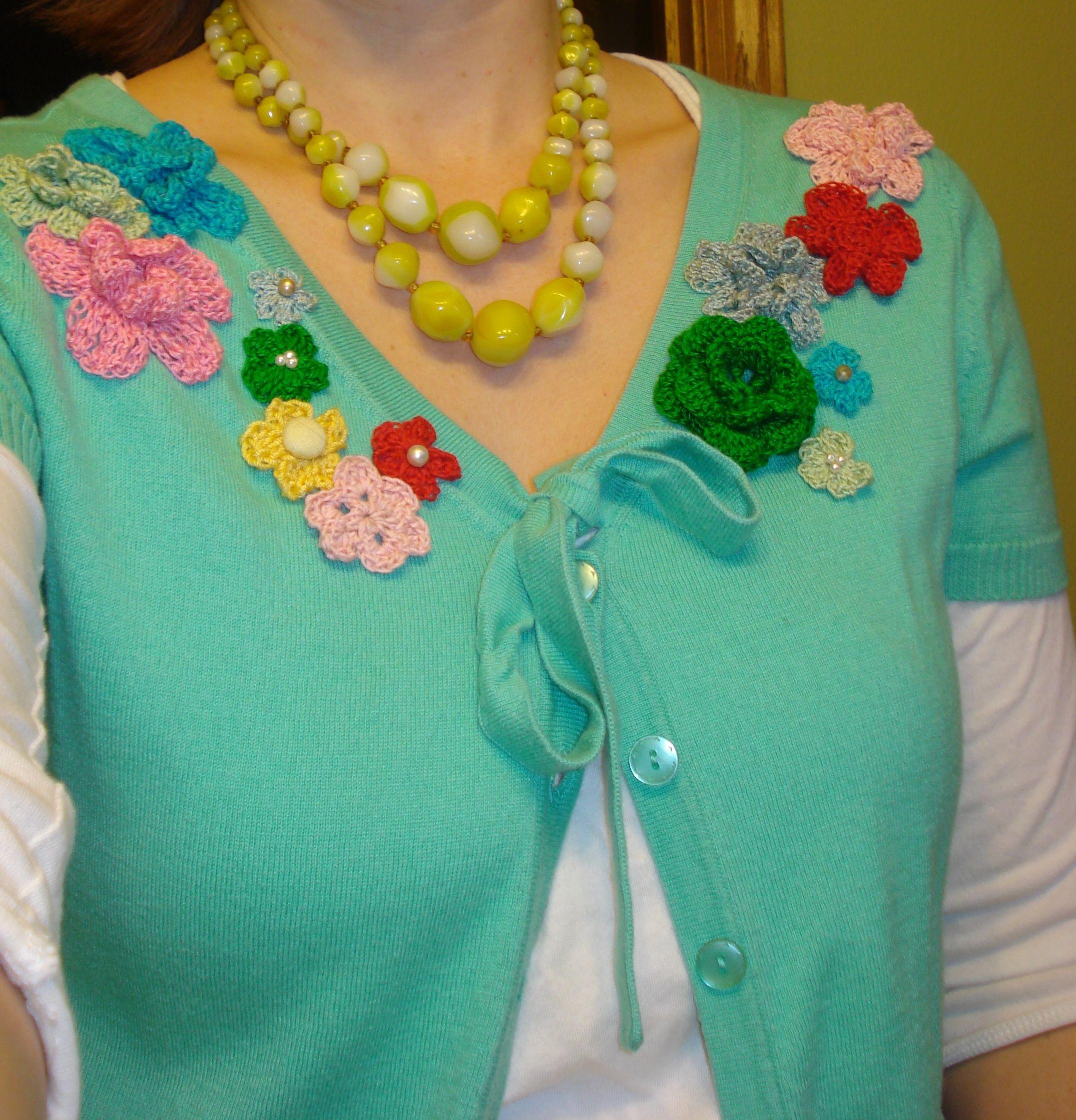 Good ideas to use crochet flowers !