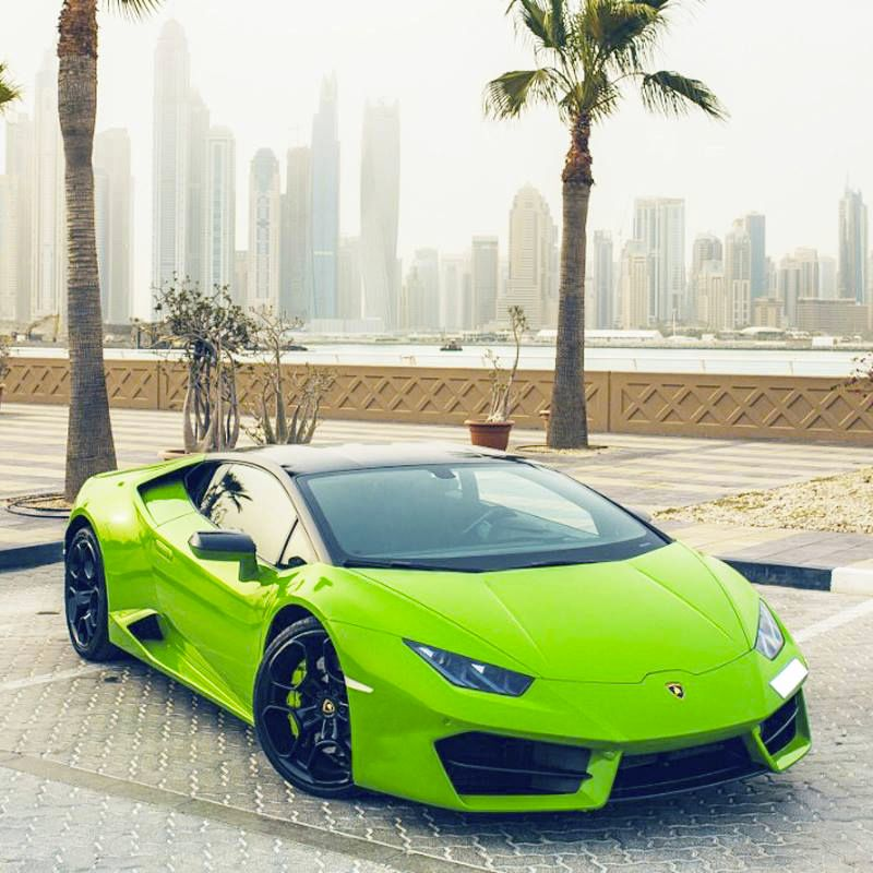 Drive The Lamborghini Huracan Coupe In Dubai For Only Aed 2600 Day Aed 17500 Week This Sports Car Fits Coupe Cars Lamborghini Huracan Coupe Car Rental