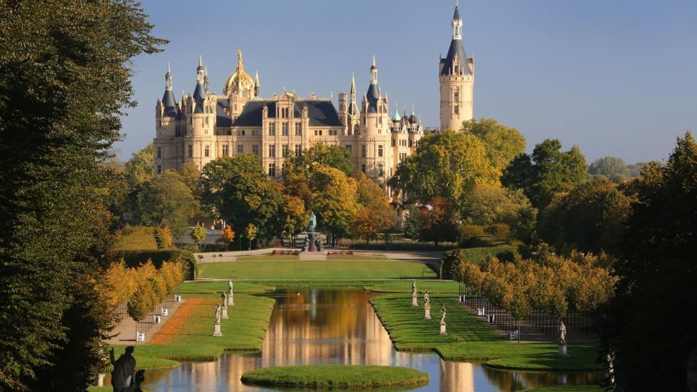 Schwerin Castle Build End Of The 10century Germany Schwerin Reisen Deutschland Reisen