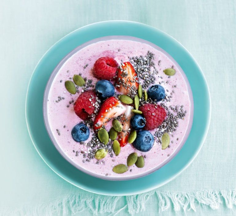 Our Best Healthy Bowl Recipes: Summer Smoothie Bowl