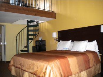 Days Inn Suites Gatlinburg Tn Rooms Loft Room Room Suites