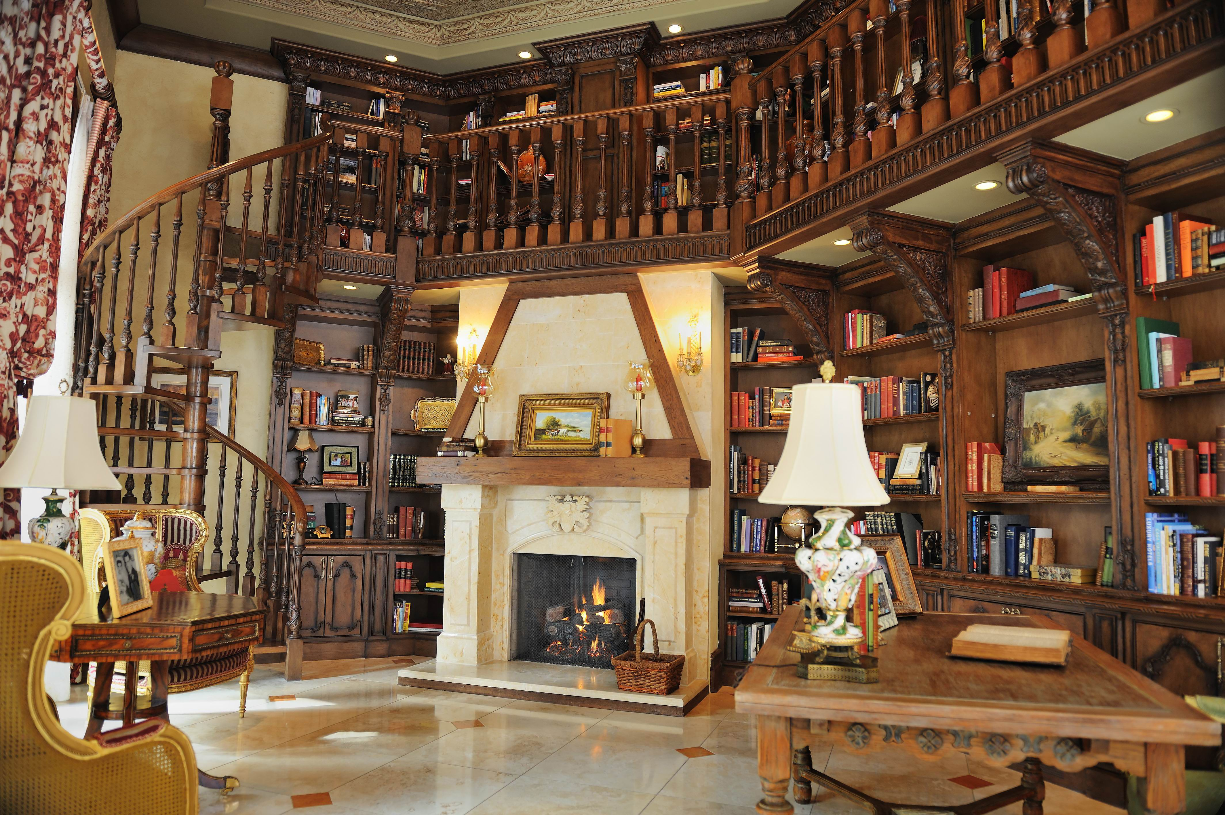 Pin by Gonobobel on Interior_Cosy library | Home library design ...
