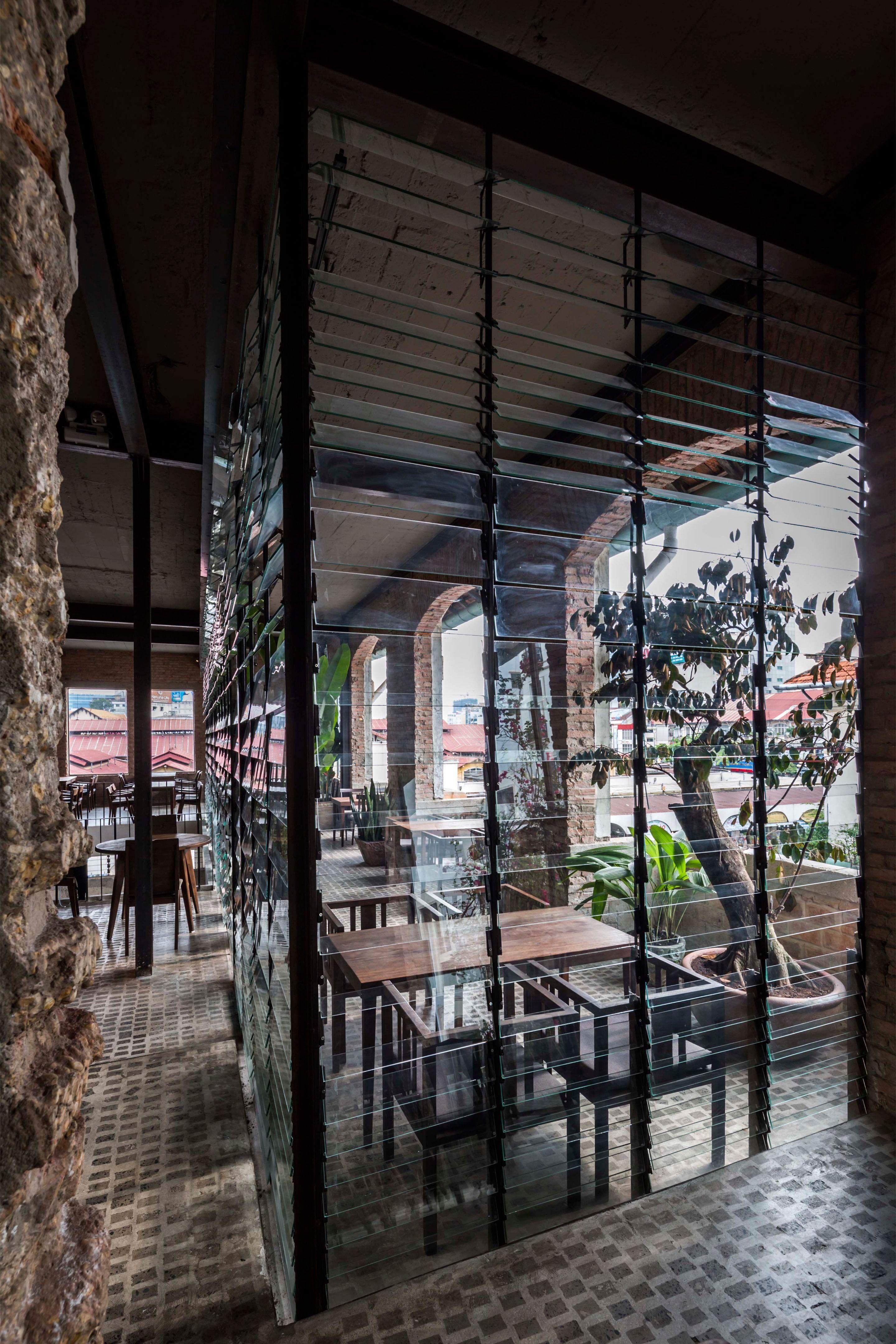 Best Ben Thanh Restaurant Picture Gallery In 2020 400 x 300