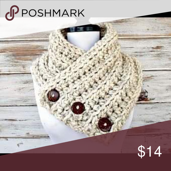 Crocheted neck scarf | Scarf crochet, Handmade accessories and Scarf ...