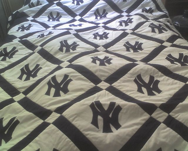 NY Yankees Quilt- Not A Yankee Fan But I Bet I Could
