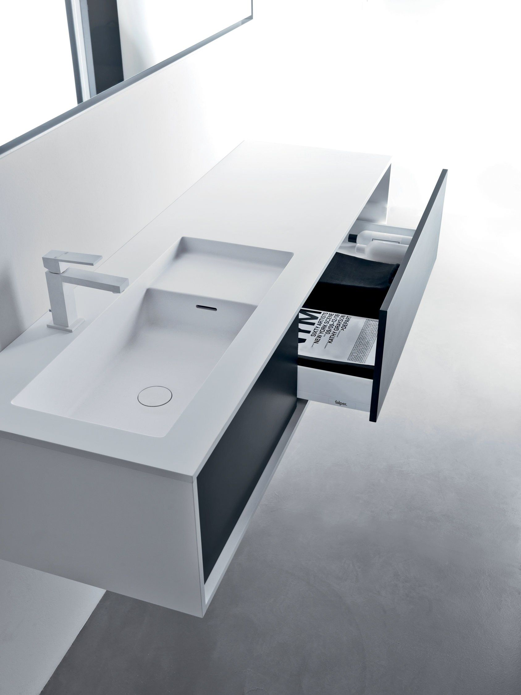Square piano in cristalplant biobased con lavabo integrato progetta il tuo bagno con for Progetta il tuo bagno