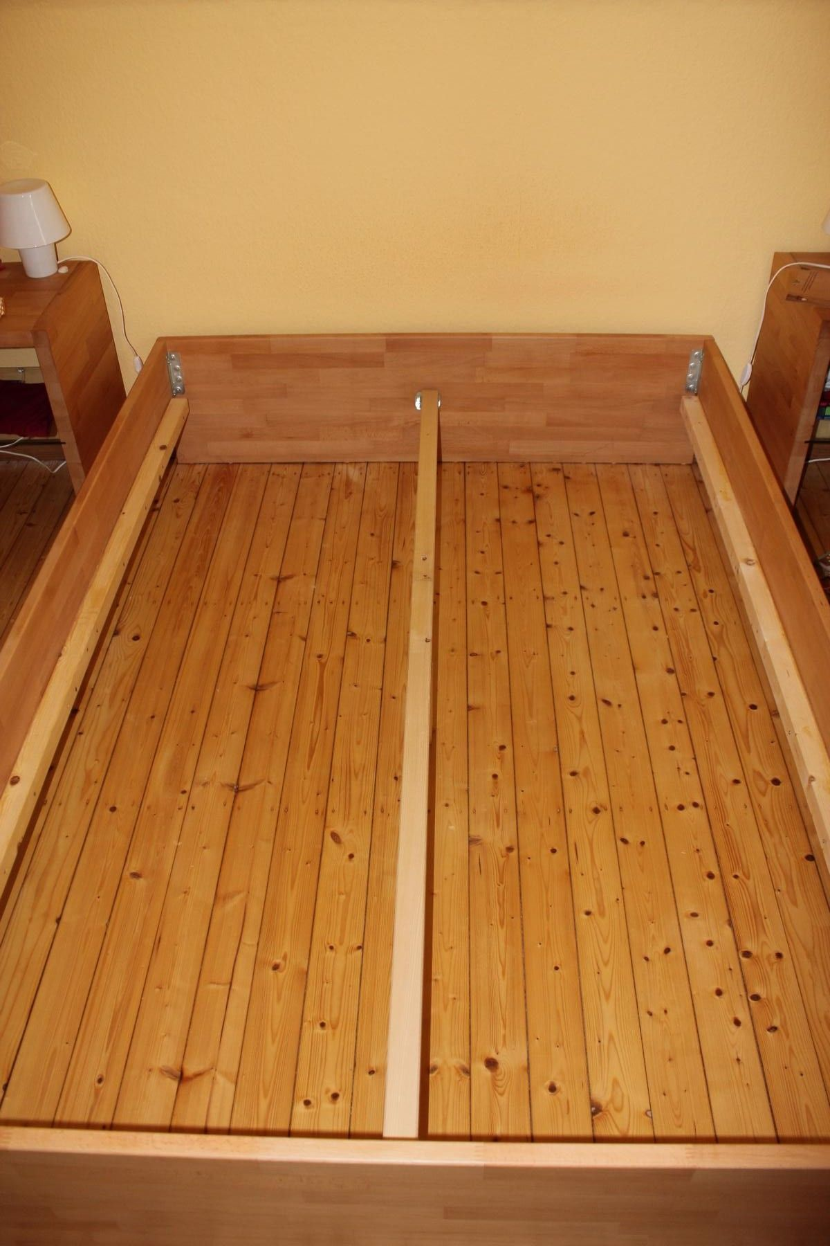 schlichtes bett eigene projekte auf 1 2 pinterest bett bett selber bauen und m bel. Black Bedroom Furniture Sets. Home Design Ideas