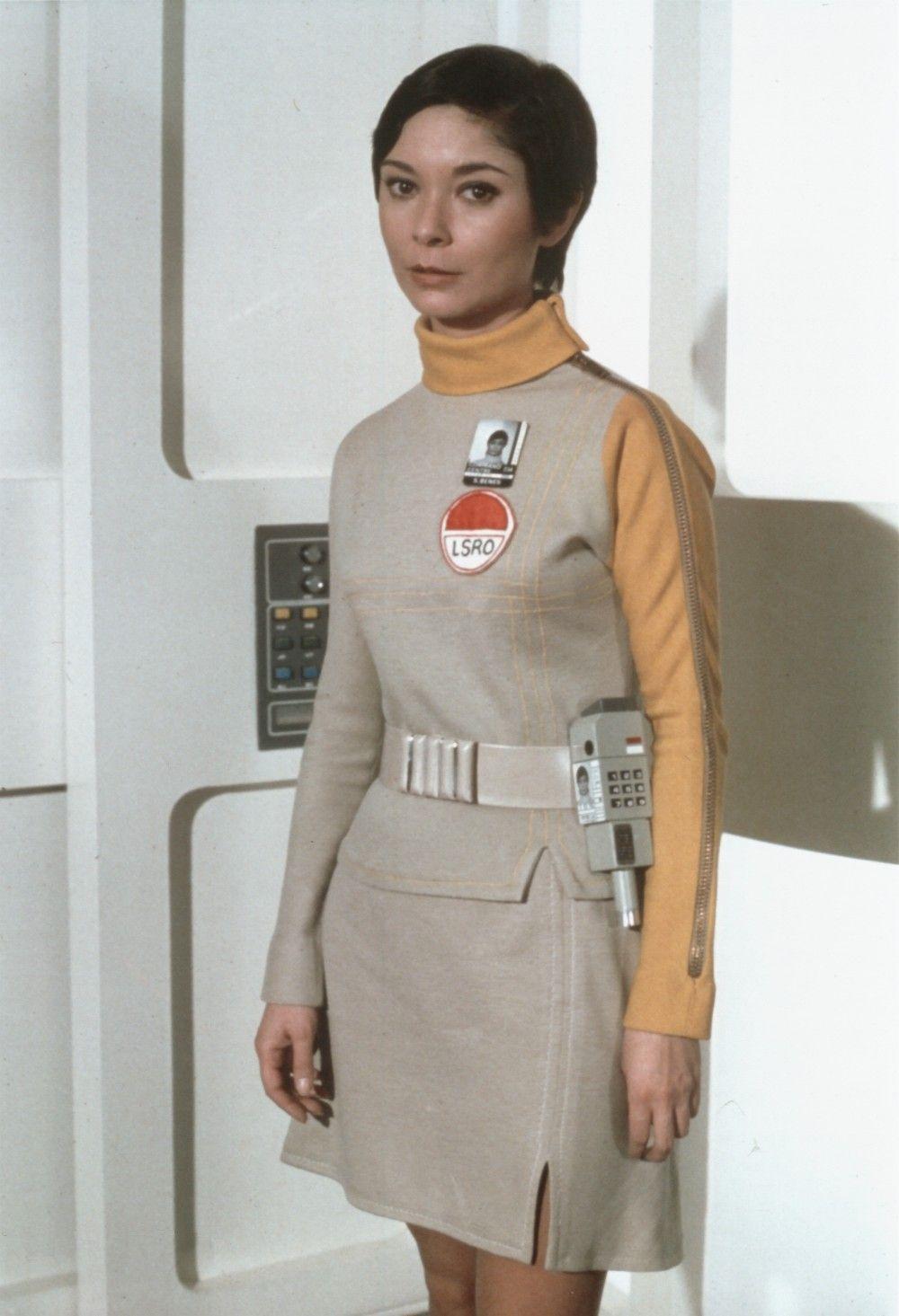 gabrielle drake lieutenant ellis ufo intergalactic women sandra benes service section space 1999