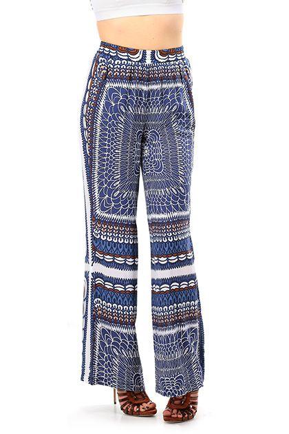 Kocca - Pantaloni - Abbigliamento - Pantalone modello a palazzo in viscosa  con stamppa a fantasia con elastico in vita. Fondo a zampa e tasche  laterali. 48a82a710f9
