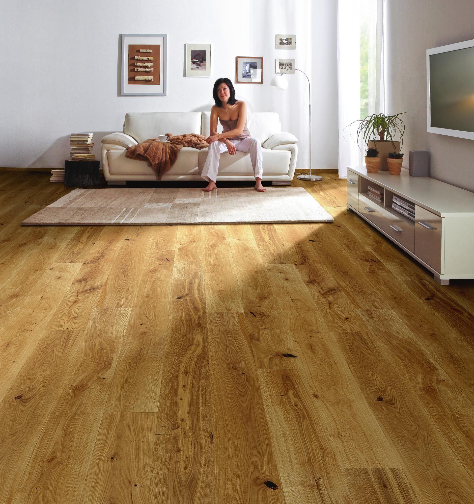 Parkettboden von AMBIENTE: lebhaftes Eichenholz für Ihr Zuhause