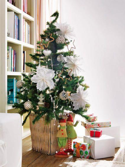 Decorar Arbol Navidad En Papel.Flores De Navidad Hechas En Papel Para Decorar El Arbol