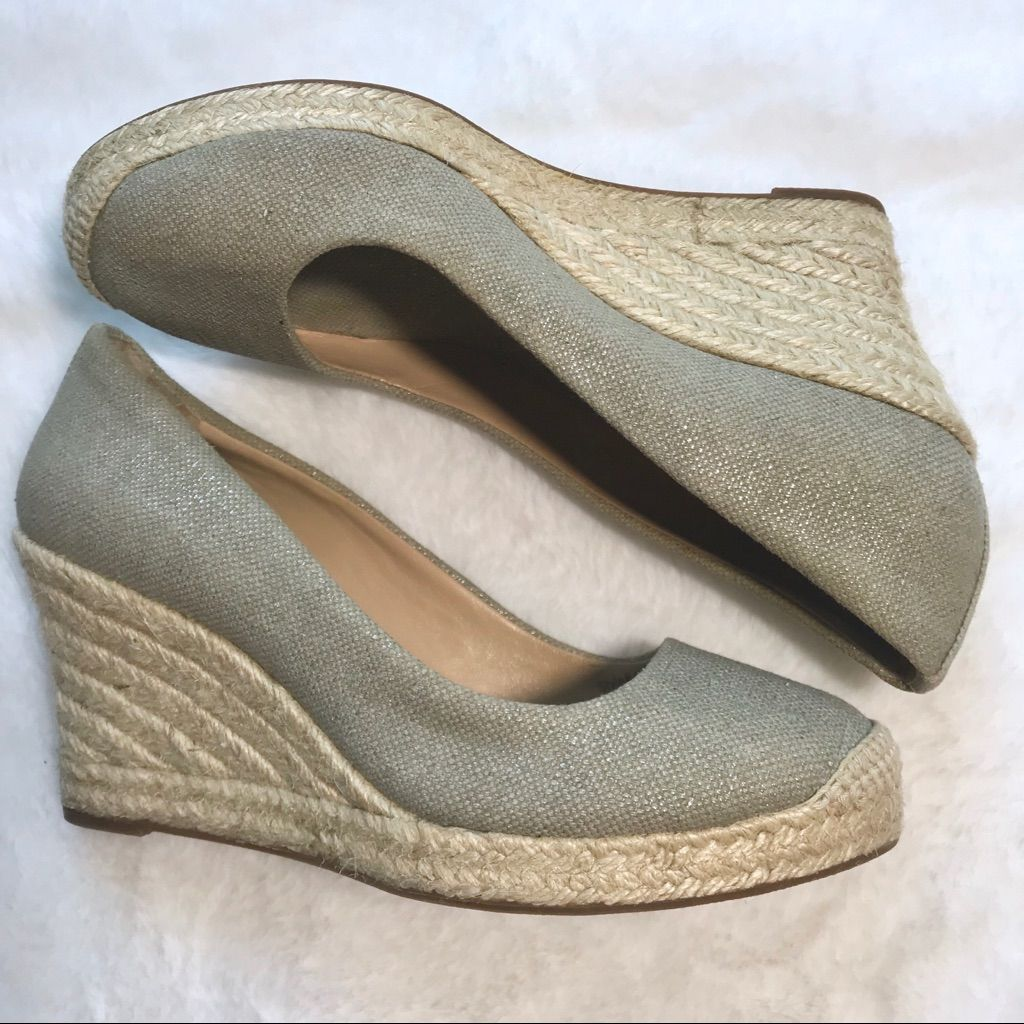 J. Crew Shoes | J. Crew Seville Espadrille Metallic Wedges | Color: Gray/Silver | Size: 6 #preguntassevilla