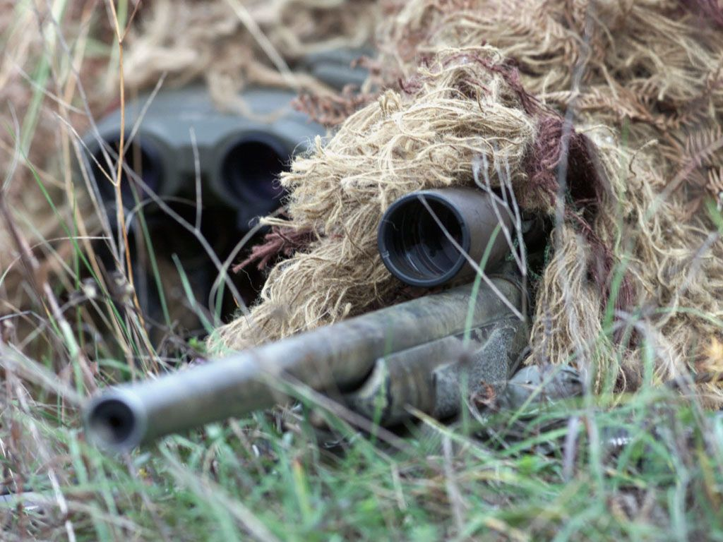 USMC Sniper in Ghillie Suit and a scoped M-40 Sniper Rifle with ...