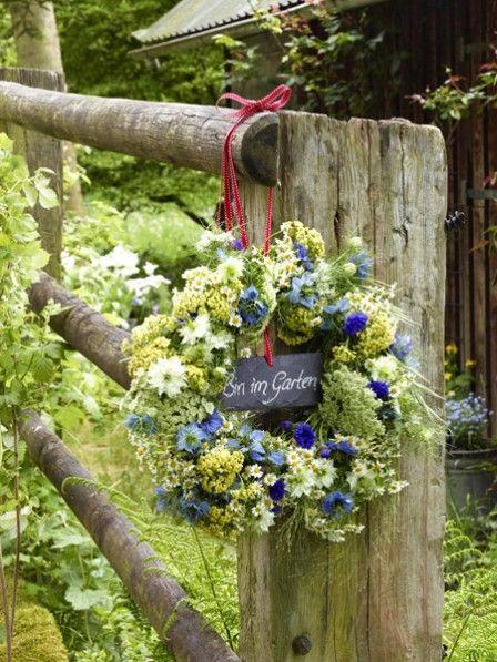 sommerlicher blumenkranz zum selbermachen sommerideen garden flowers und wreaths. Black Bedroom Furniture Sets. Home Design Ideas