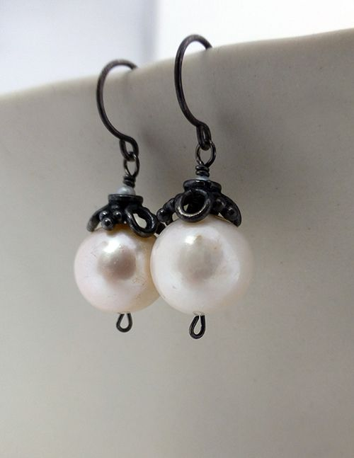 Freshwater pearl and oxidized sterling silver earrings. Perfect with any outfit! Calliope Jewelry.
