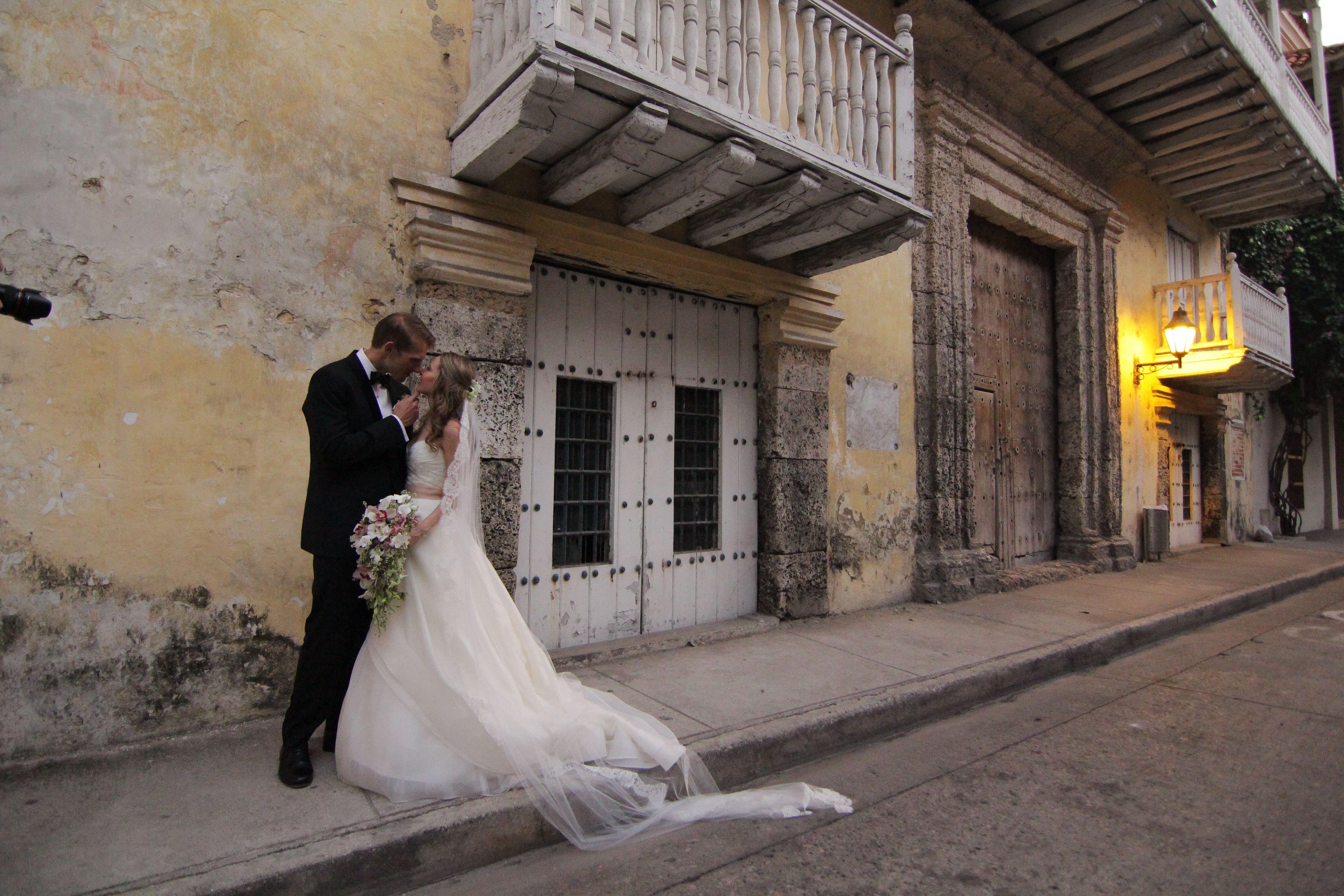 Cartagena es una ciudad histórica con arquitectura centenaria ideal para bodas exóticas.
