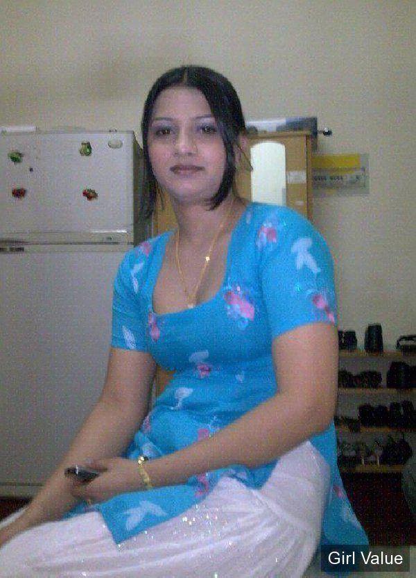 pakistani girl in white shalwar blue kameez