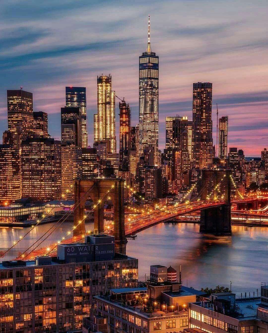 New York City skyline with the Brooklyn Bridge New york