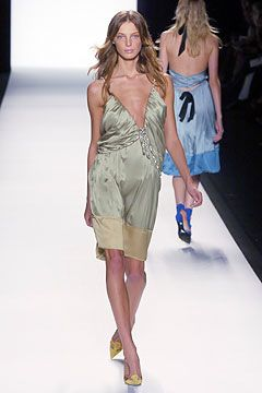 Chloé Spring 2005 Ready-to-Wear - Collection - Gallery - Style.com