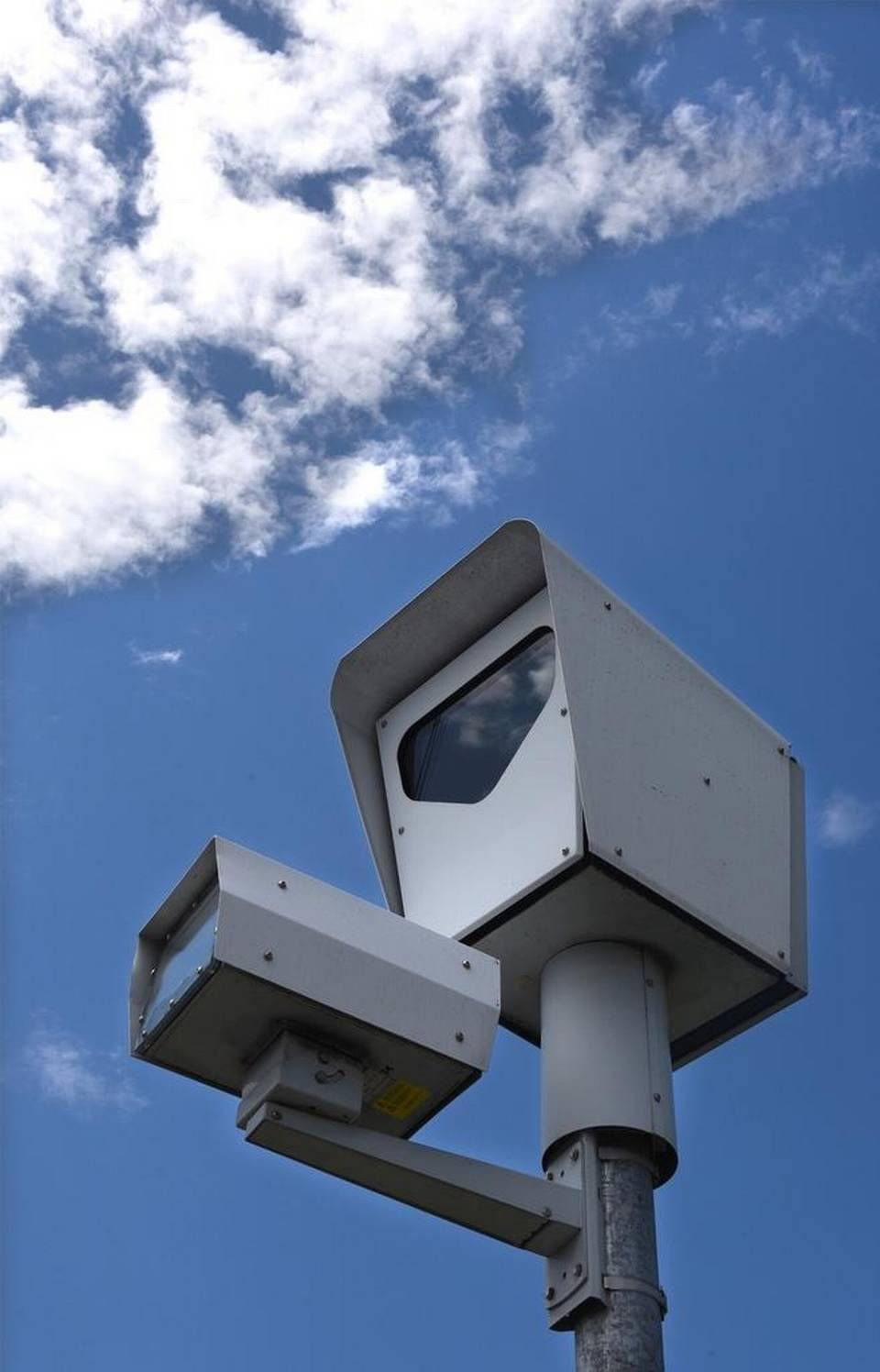 Decision Expected On Modesto Red Light Cameras Red Light Camera Traffic Light Sign Traffic Camera