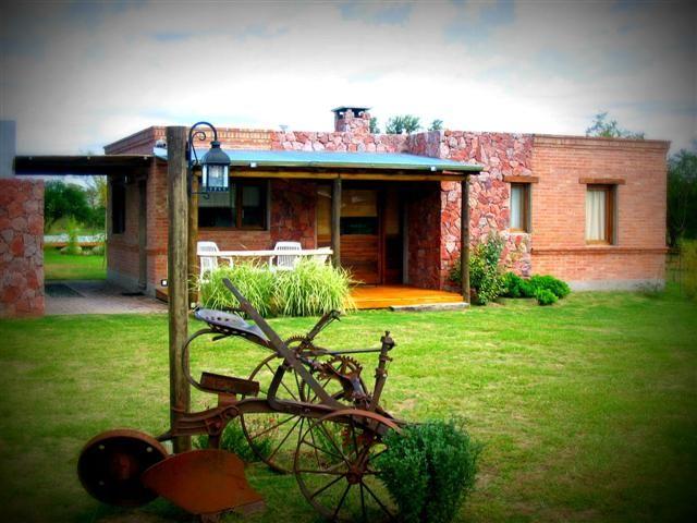 Pin de cecilia anabel en casas con estilo casas de campo peque as casas de campo y casas Casas rurales ecologicas