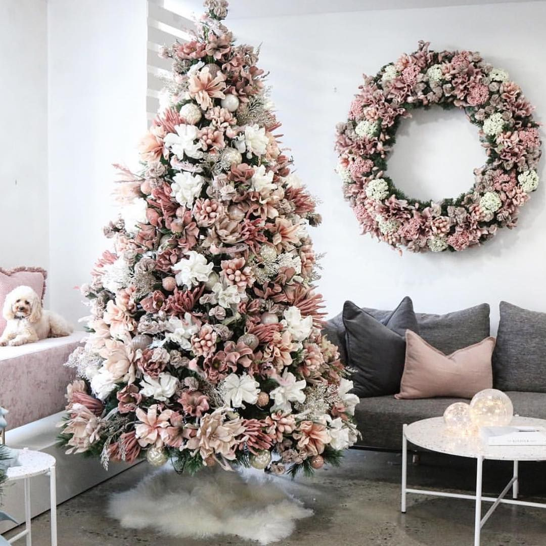 This Trend Has Us Swapping Garland For Gardenias And We May Never Go Back Christma Floral Christmas Tree Rose Gold Christmas Tree Pink Christmas Decorations
