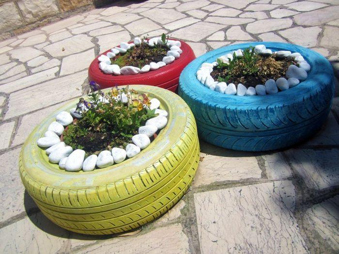 Gartendeko Selber Machen Coole Pflanzgefäße Autoreifen Bemalen Blumen Steine